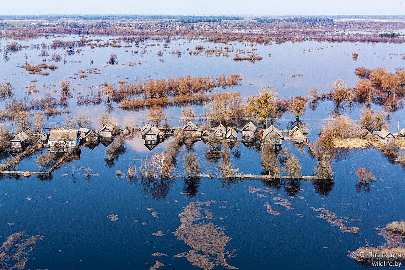 Village biélorusse innondé vu du haut